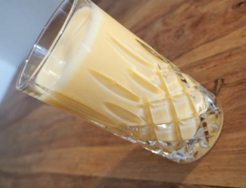 Buttermilch-Zitrone-Banane-Mandarine-Smoothie